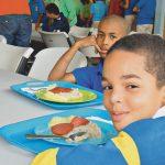 Die Kinder der Idene-Schule beim Essen