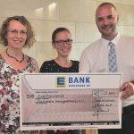 EDEKA Südwest übergibt im Rahmen der Cent-Spende einen Scheck an die Saarländischer Krebsgesellschaft e.V..
