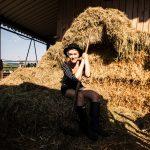 Mia und Thies von uberding besuchen einen Demeter-Bauernhof