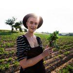 Bloggerin Mia von uberding auf dem Feld