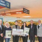 Scheckübergabe für Streuobstwiese NABU Kreisverband Esslingen