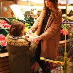 Bloggerin Wunderhaftig beim Einkaufen mit ihrem Sohn