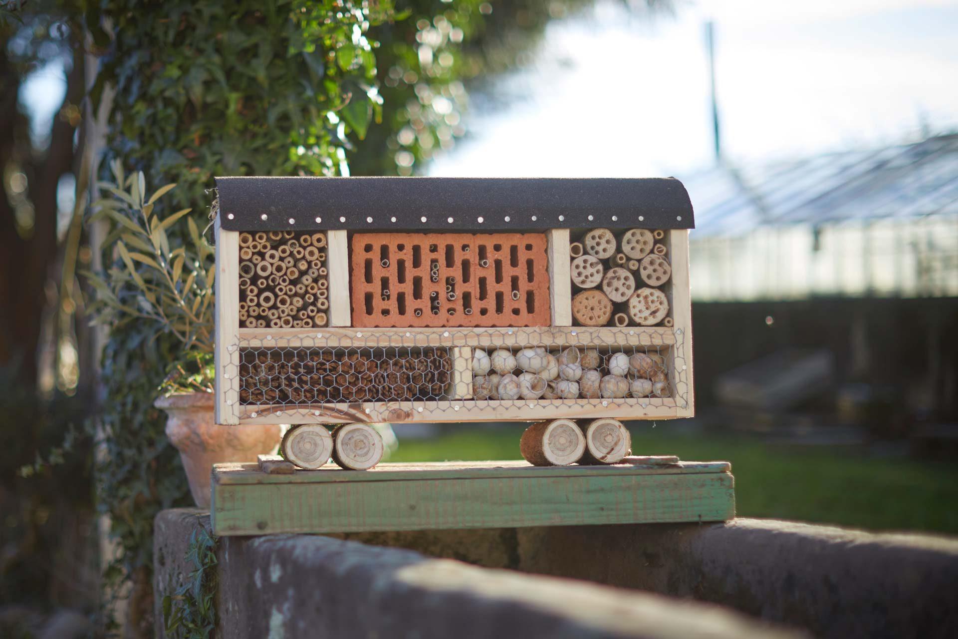 so bauen sie ein insektenhotel und betreiben aktiv naturschutz zukunftleben. Black Bedroom Furniture Sets. Home Design Ideas