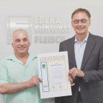 Donato Cerulli wird für 40 Jahre Betriebszugehörigkeit geehrt