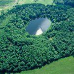 Der Windsborn-Kratersee in der Eifel