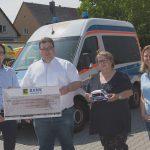Der ASB Mannheim erhält einen Scheck in Höhe von 1.500 Euro
