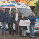 Der ASB-Landesverband Saarland e. V. erhält einen Scheck in Höhe von 1.500 Euro