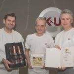 Für seine 40-jährige Betriebszugehörigkeit erhält Martin Nagel eine Ehrung