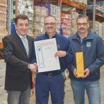 Für seine 40-jährige Betriebszugehörigkeit erhielt Ewald Otteni eine Auszeichnung