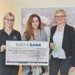 Der Ortenauer Kinder- und Jugendhospizdienst erhält einen Scheck über 2.500 Euro