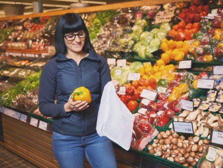 Bei EDEKA ist weniger als die Hälfte von Obst und Gemüse in Plastik verpackt
