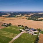 Landschaftlich schön liegt der Hof von Landwirt Martin Werni